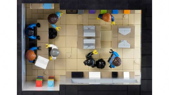 Lego Modular Apple Store - 3