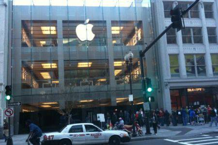ipadapplestorelaunch