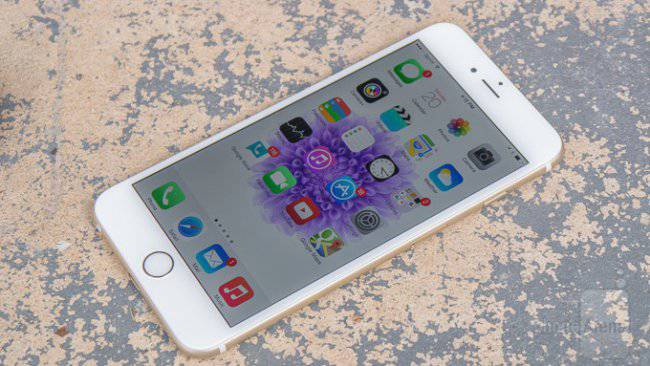 Apple iPhone 6 Plus с iOS 8
