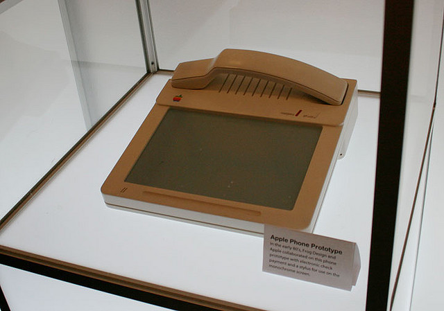 apple-phone-1983-1