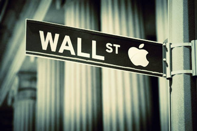 apple_wall_street