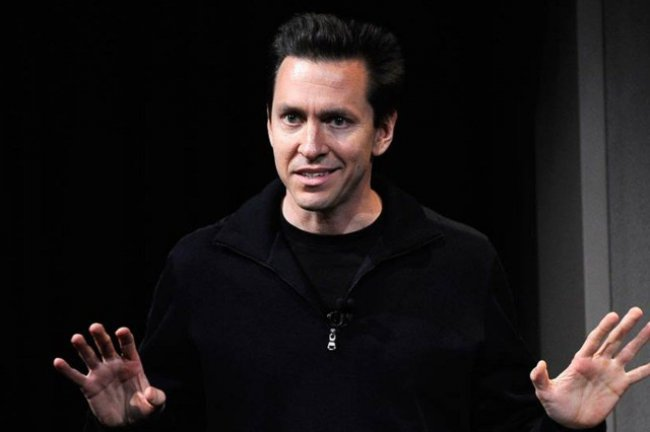 scott_forstall_on_stage