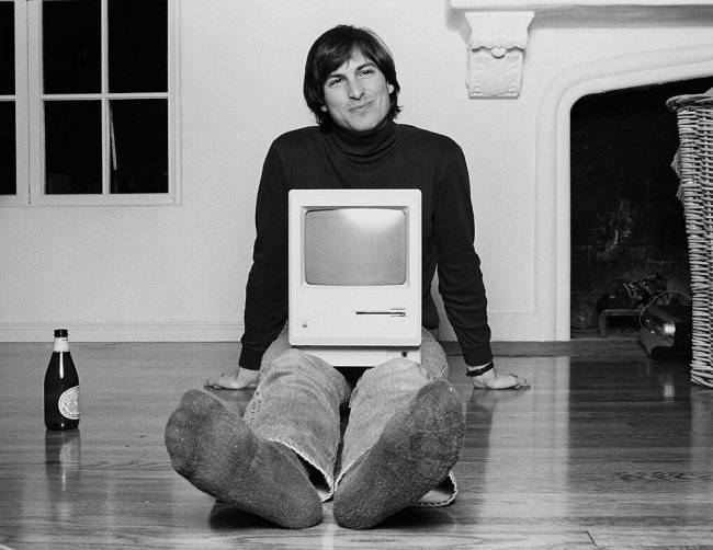 jobs-with-macintosh-mac-first-pc-apple