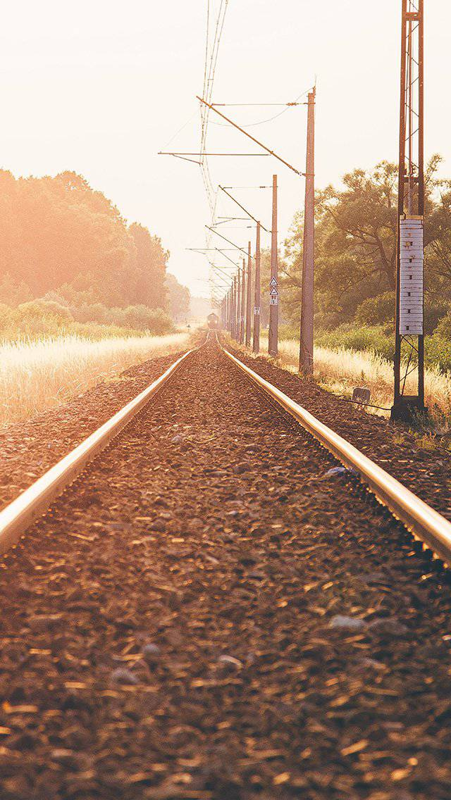 train-road-town-flare-nature-iphone-5