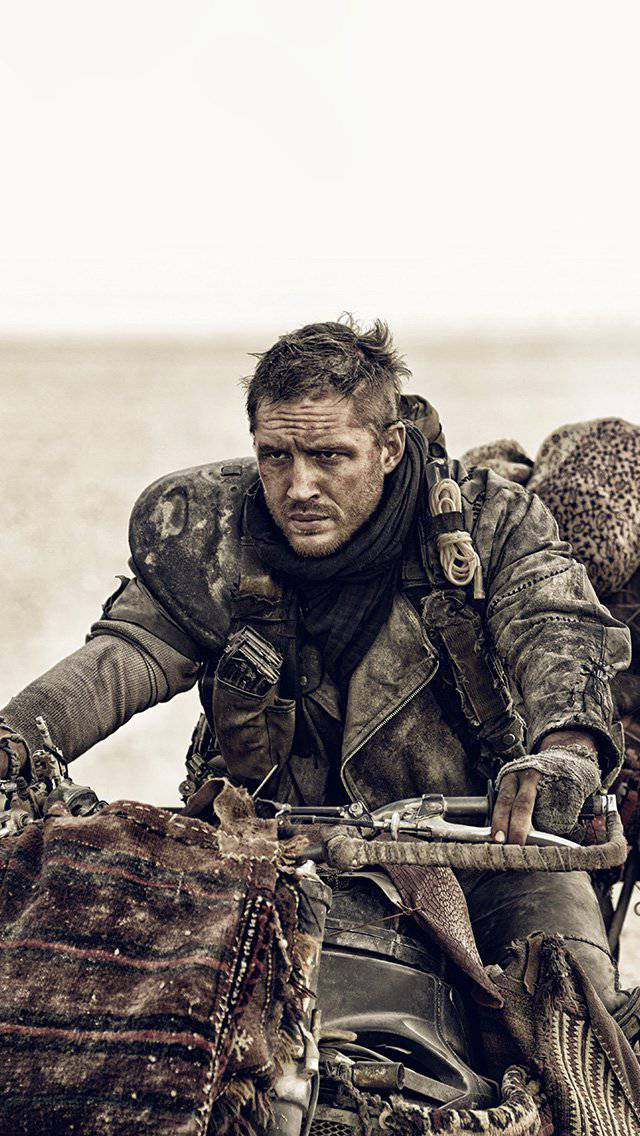 fury-road-max-tom-hardy-film-iphone-5