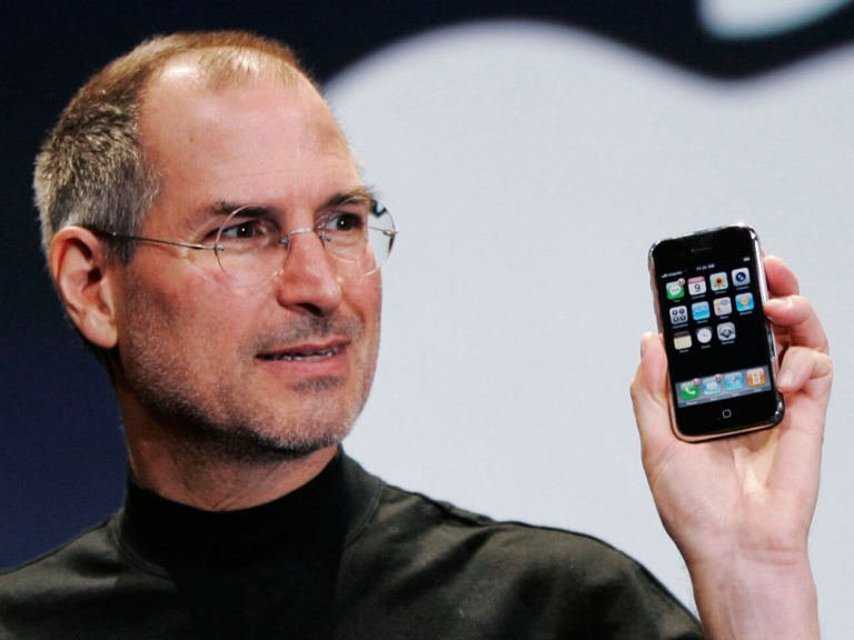1_steve_jobs_iphone